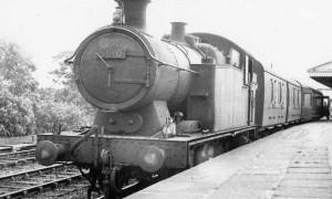 1960_train_arriving_in_Nelson