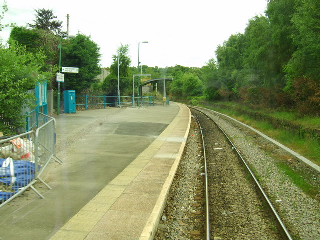 Quakers_Yard_railway_station_in_2008