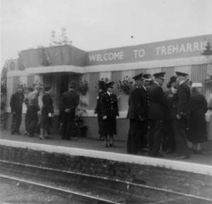 Treharris_Station_RoyalVisit_1958_AnneJones_small