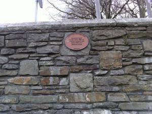 plaque_in_Quakers_burial_ground