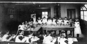 treharris_girls_cookery_class_1914