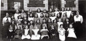 treharris_girls_school_1914.jpg_standard_2