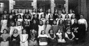 treharris_girls_school_1914.jpg_standard_4_a