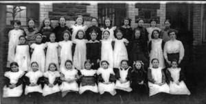 treharris_girls_school_1914.jpg_standard_5a