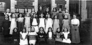 treharris_girls_school_1914.jpg_standard_5b